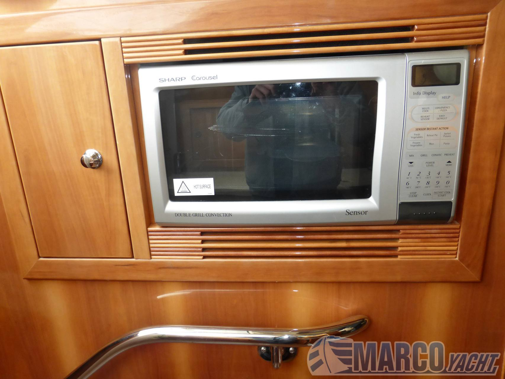 Riviera 38 t- top fly Saltwater Fishing used