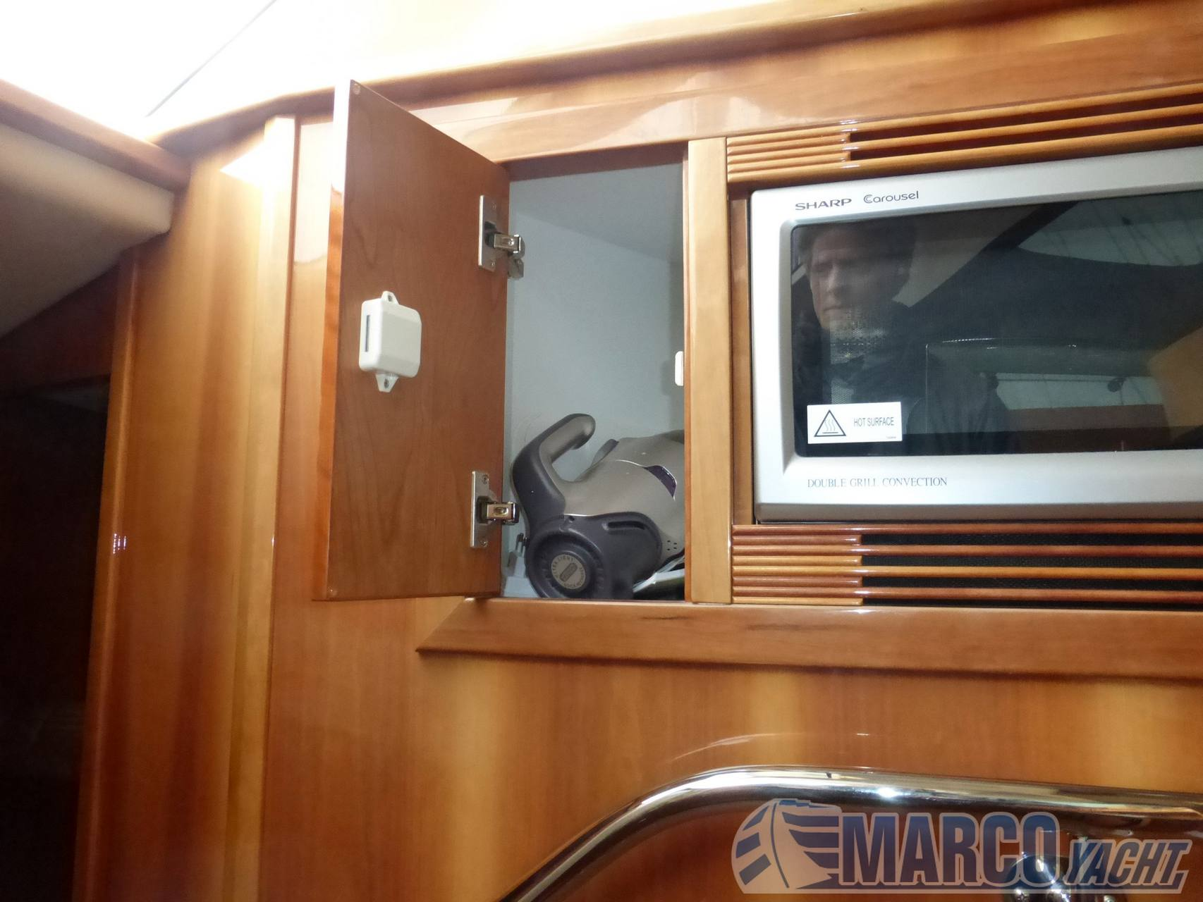 Riviera 38 t- top fly 2012