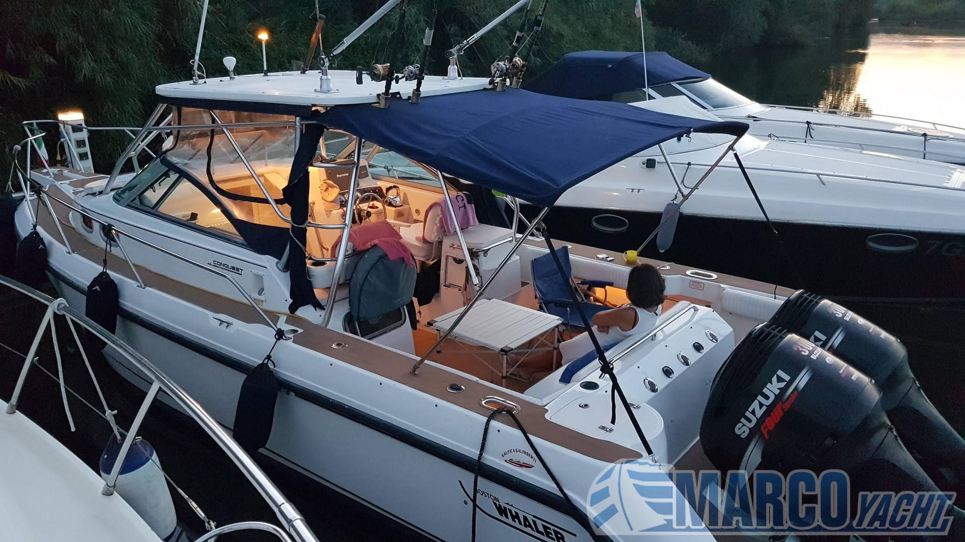 Boston Whaler 295 conquest barco a motor