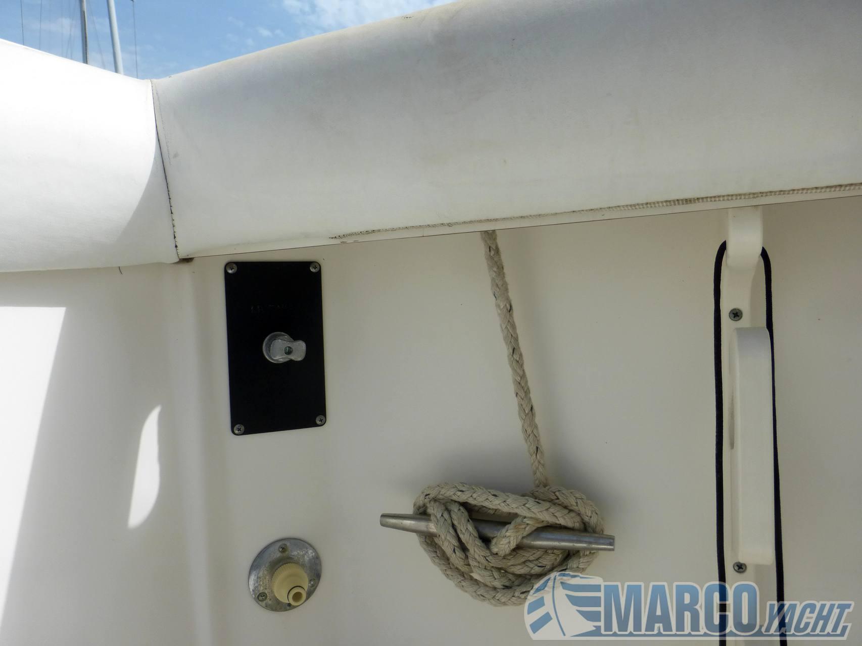 Boston whaler Outrage 270 Walkaround usado