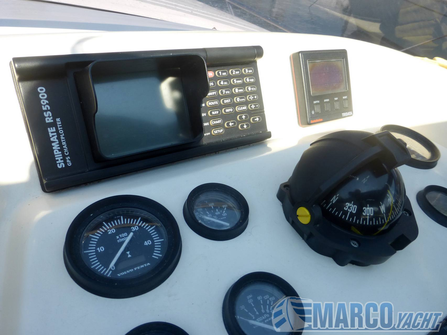 Ilver 37 sectra Motor boat used for sale