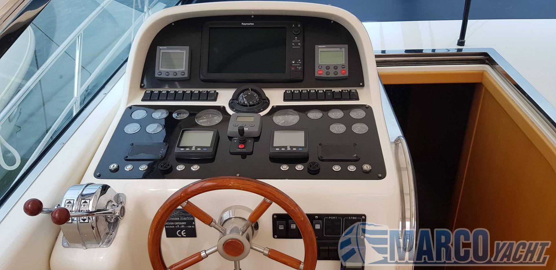 """Uniesse Open 42"""" Express cruiser"""