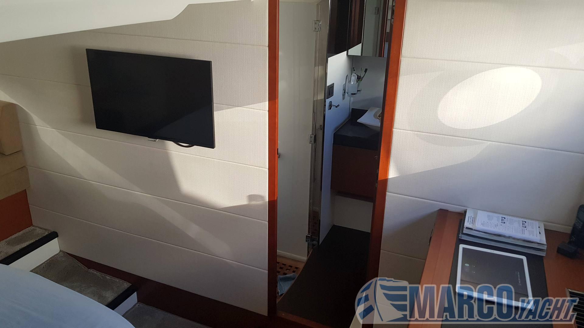 Jeanneau Prestige 50 s motor boat