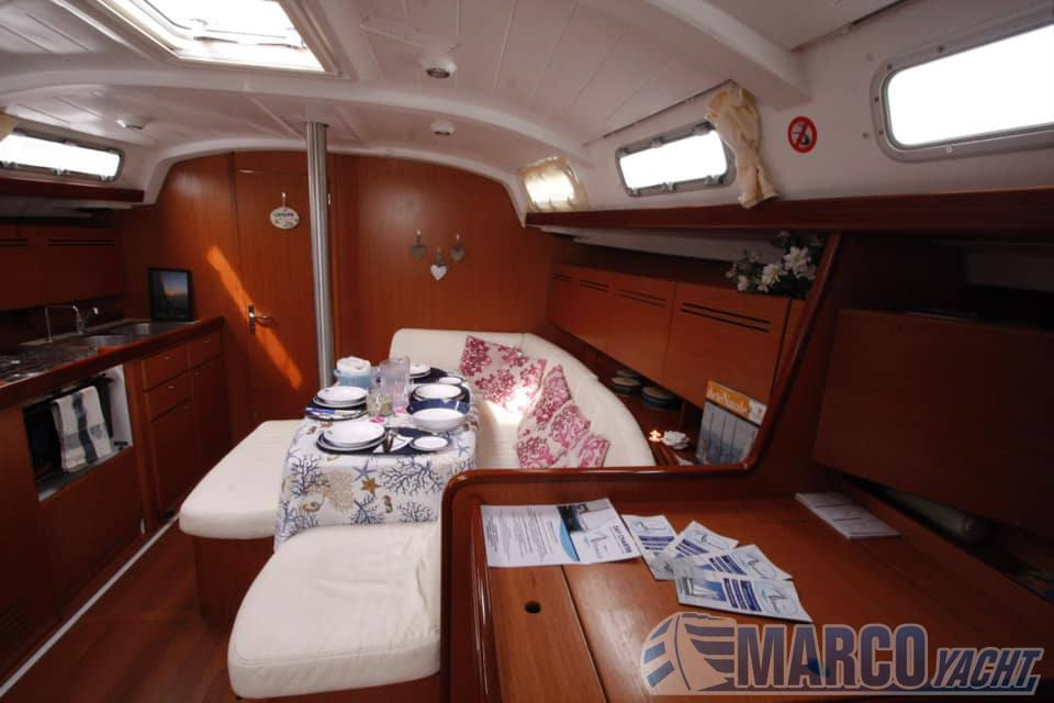 Beneteau Cyclades 43.3 Sailing boat used for sale