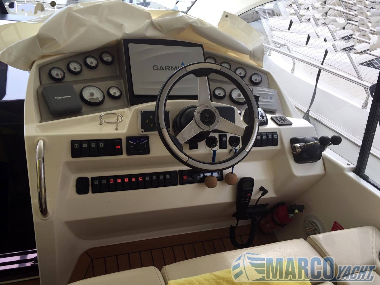 Jeanneau Prestige 42 sport top Motor boat used for sale