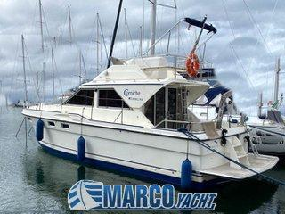 Fairline Cornice 31 fly