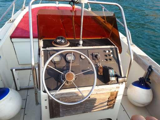 Boston Whaler Boston Whaler V20