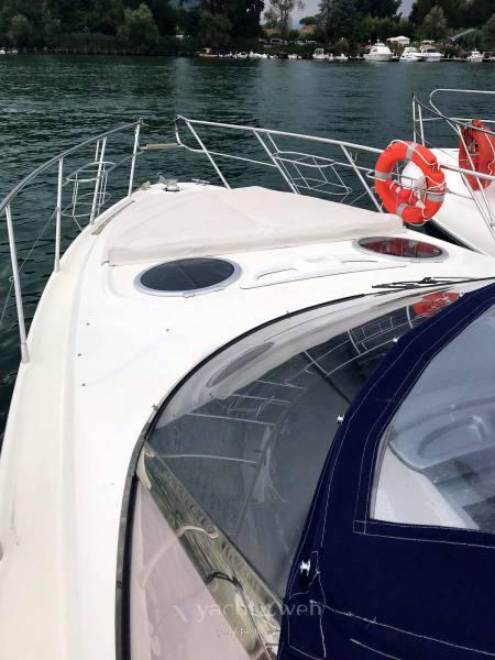 Cranchi Endurance 41 motor boat