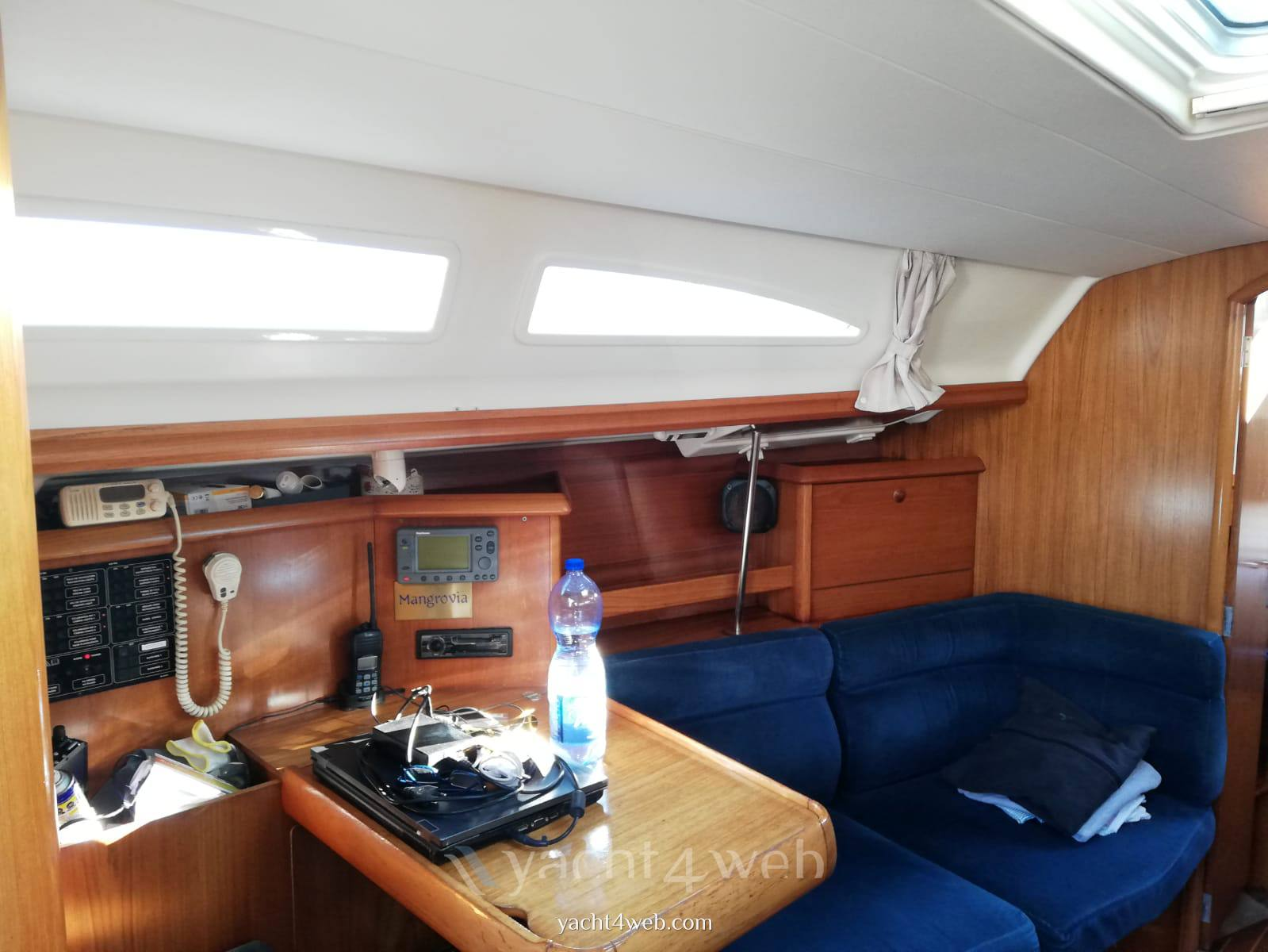Jeanneau Sun odyssey 37 sailing boat