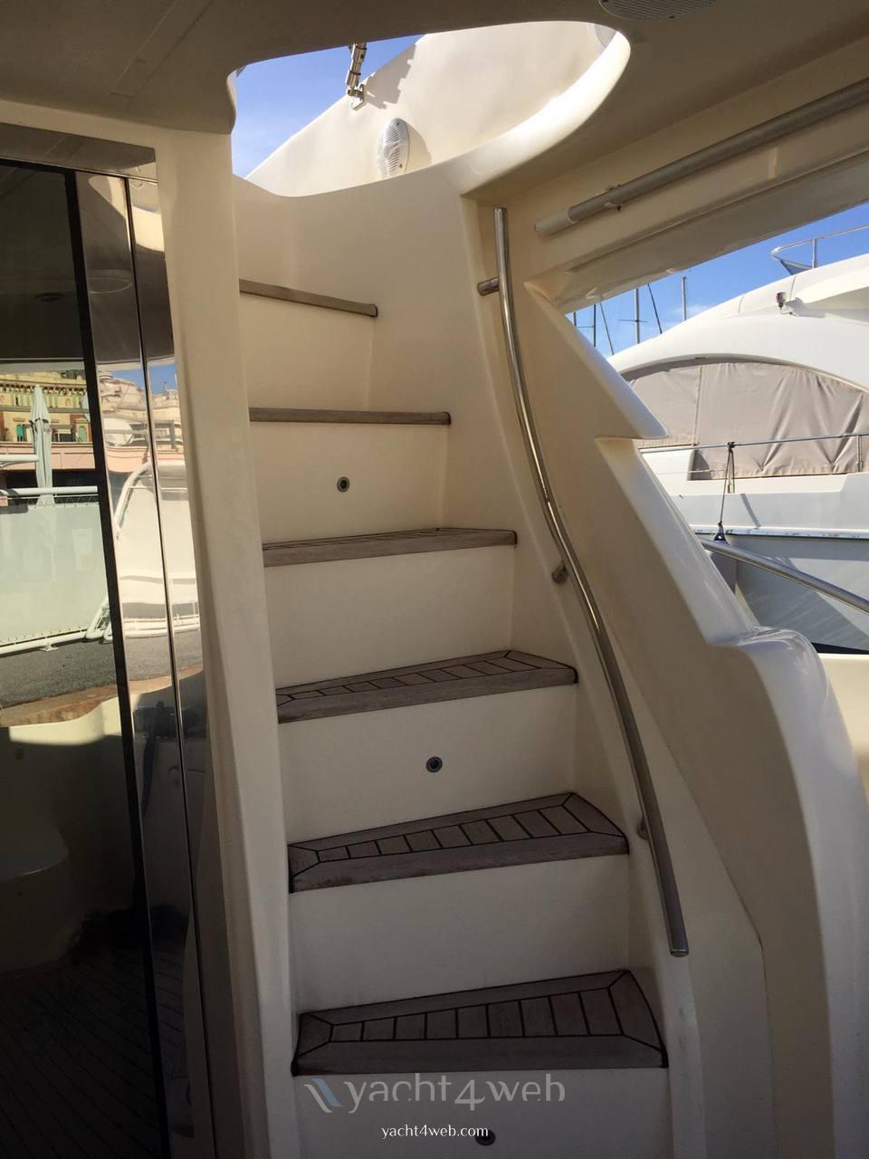 Aicon Yacht 56 fly usato