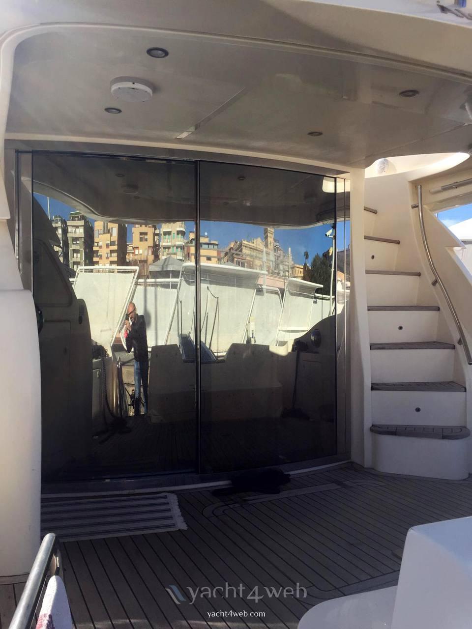 Aicon Yacht 56 fly Barca a motore usata in vendita