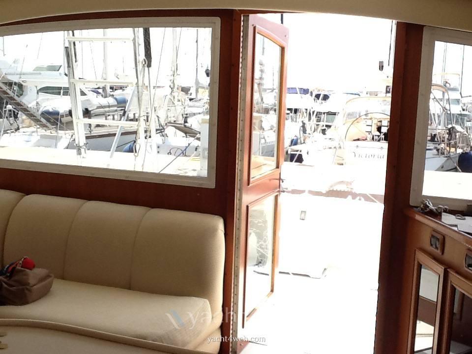 Egg Harbor Yacht Golden egg 38 Photo