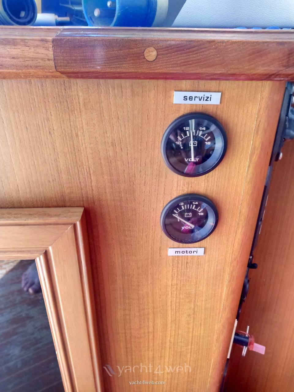 Egg Harbor Yacht Golden egg 38 Motor boat used for sale