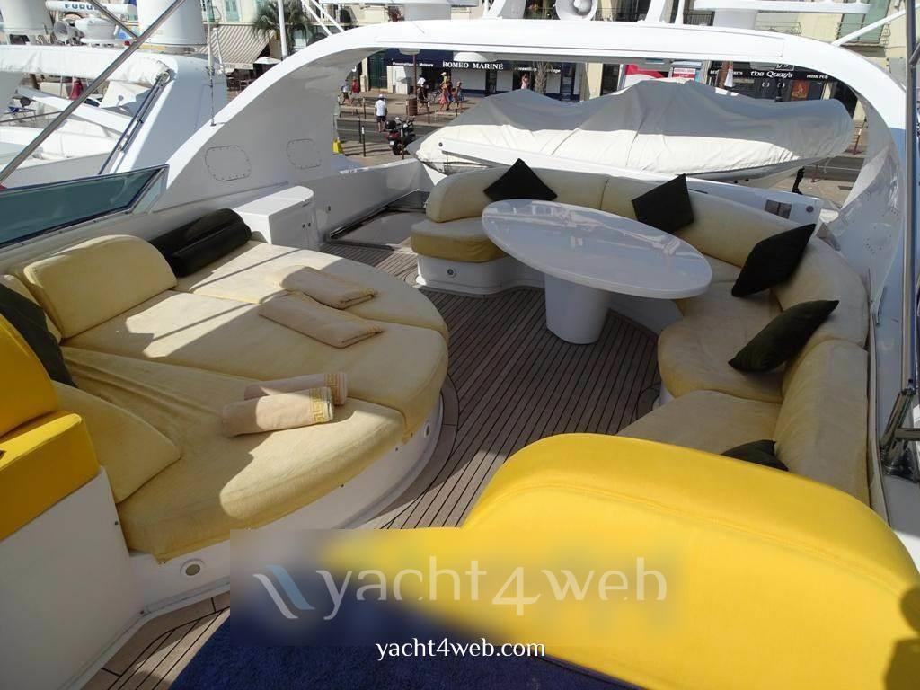 Fipa Maiora 26 dp motor boat