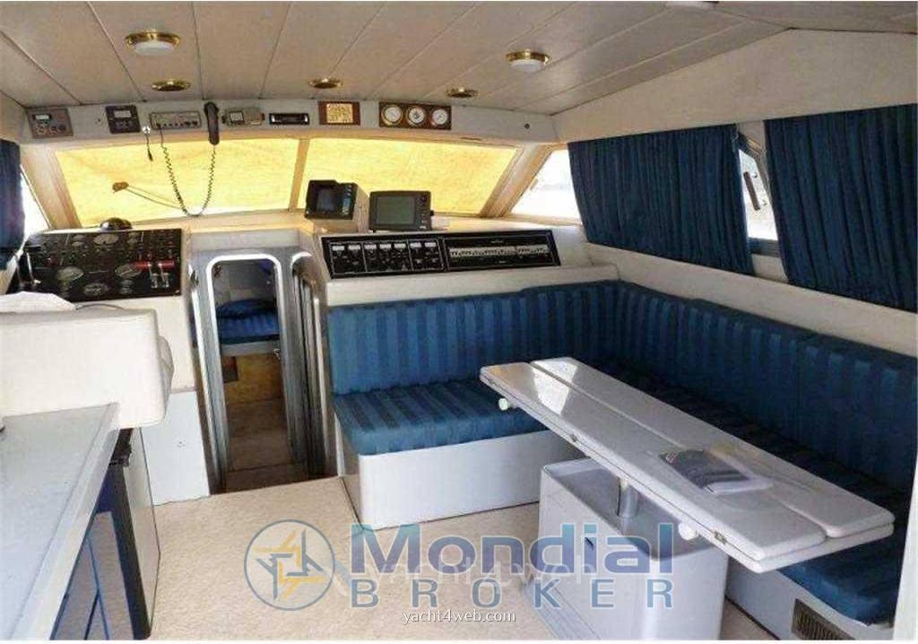 Mochi craft Mochi 42 dominator Motor boat used for sale