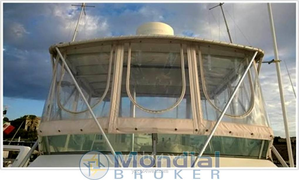 Bertram yacht 35' convertible Motor boat used for sale