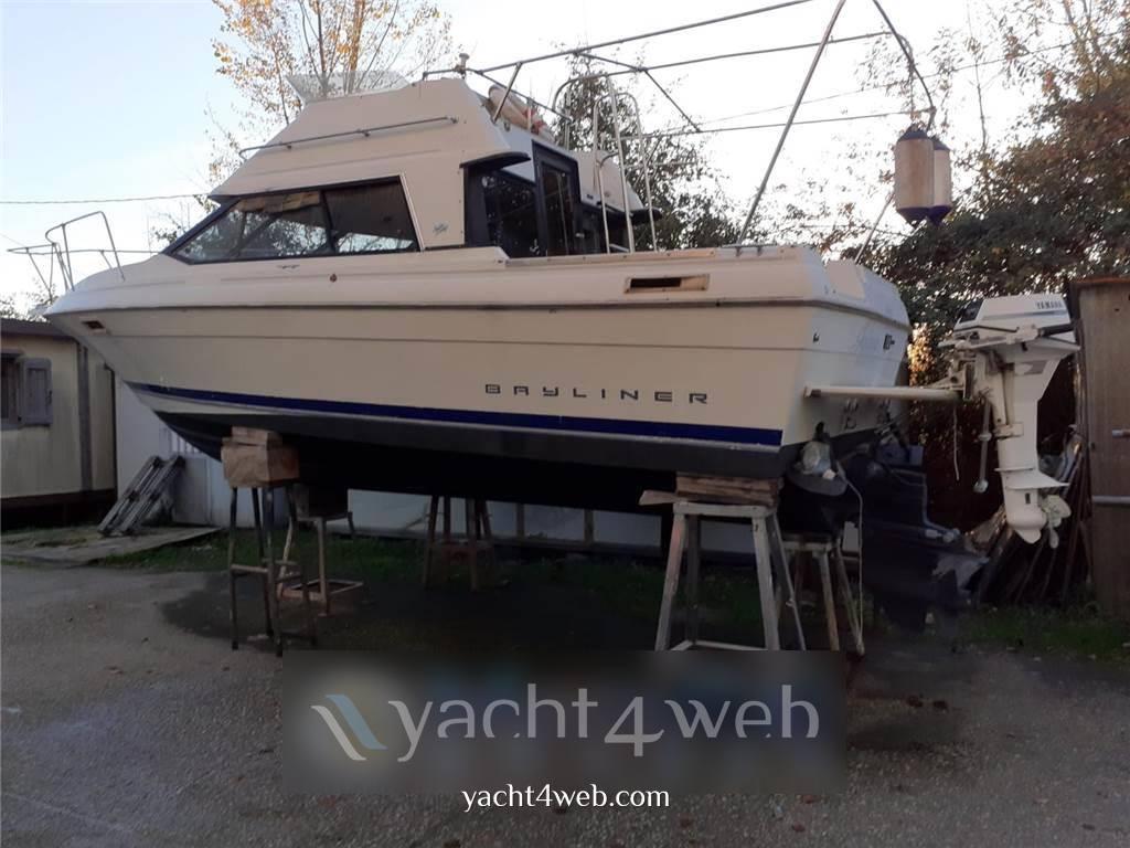 Bayliner 2556 fly Motor boat used for sale