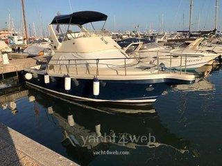 Cayman yachts 30 fly