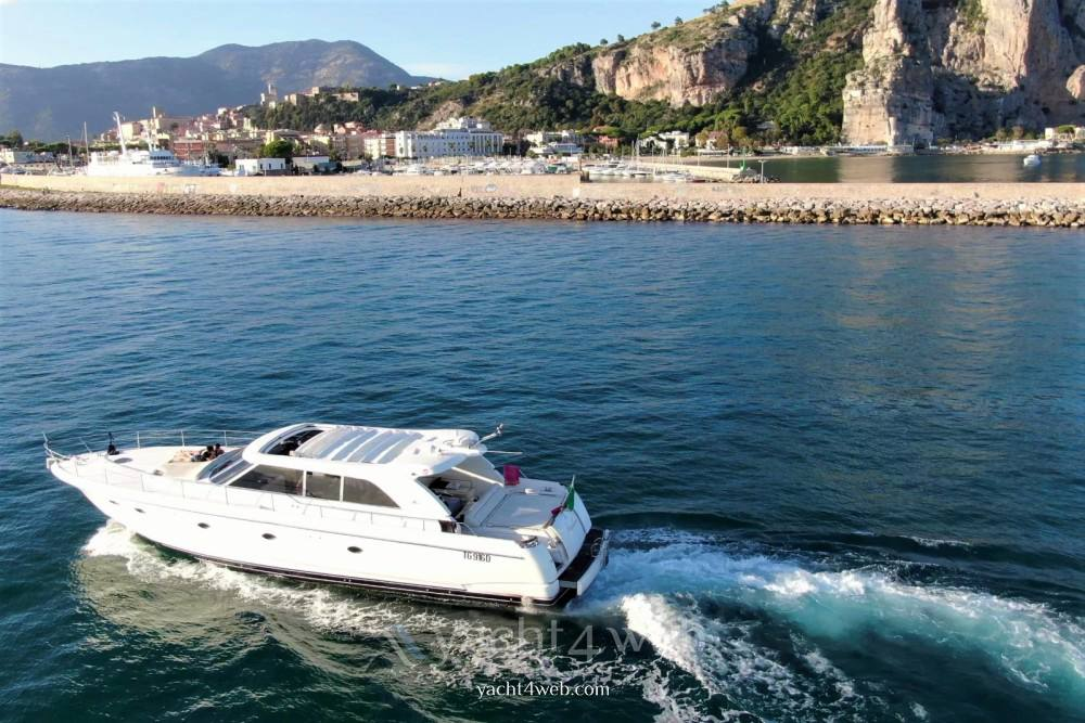 ILVER Vista 58 Barca a motore charter