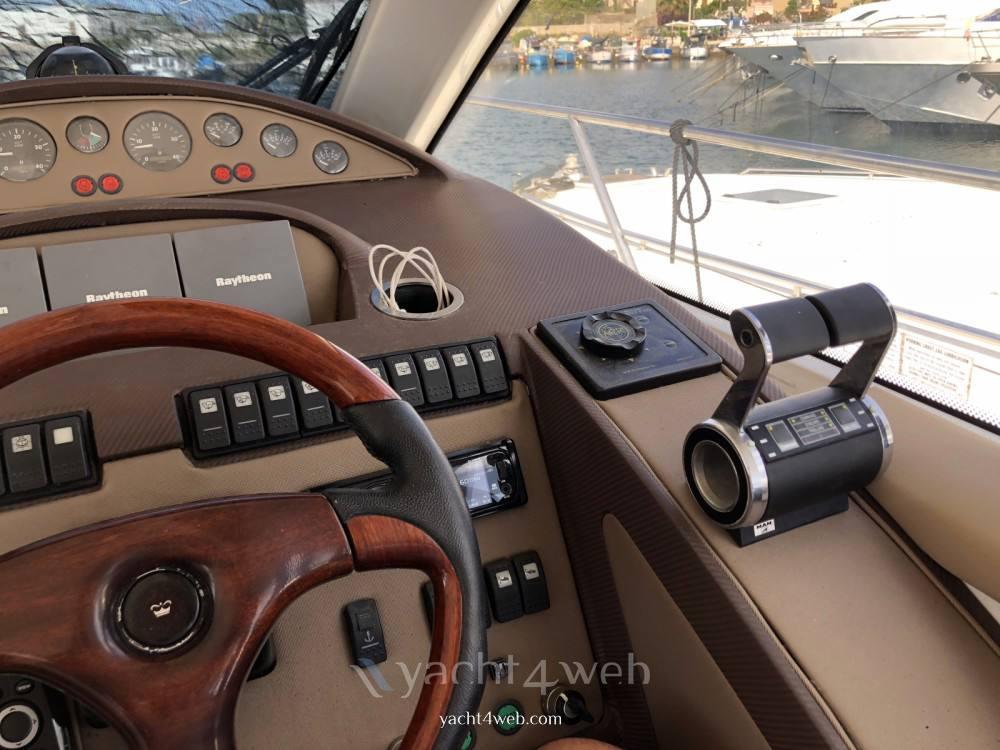PRINCESS V65 Motorboot