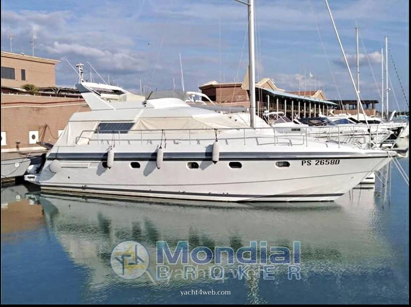 MOCHI CRAFT 44 fly Motor boat used for sale