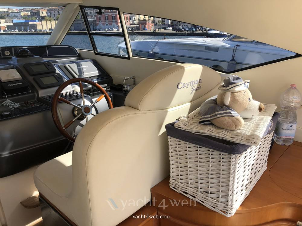 Cayman 58 ht walk araound barca a motore