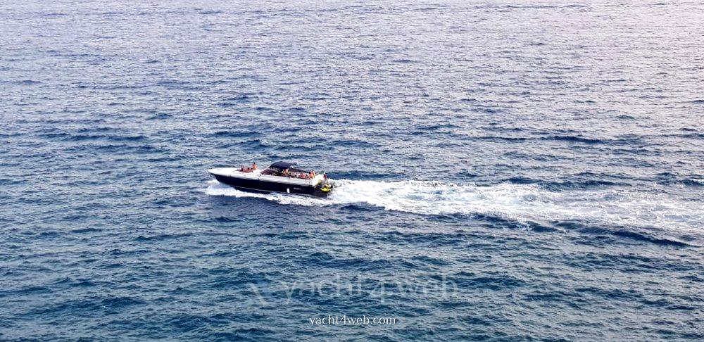 Itama 45 Barca a motore charter