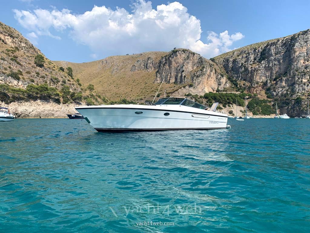 itama 38 barca a motore