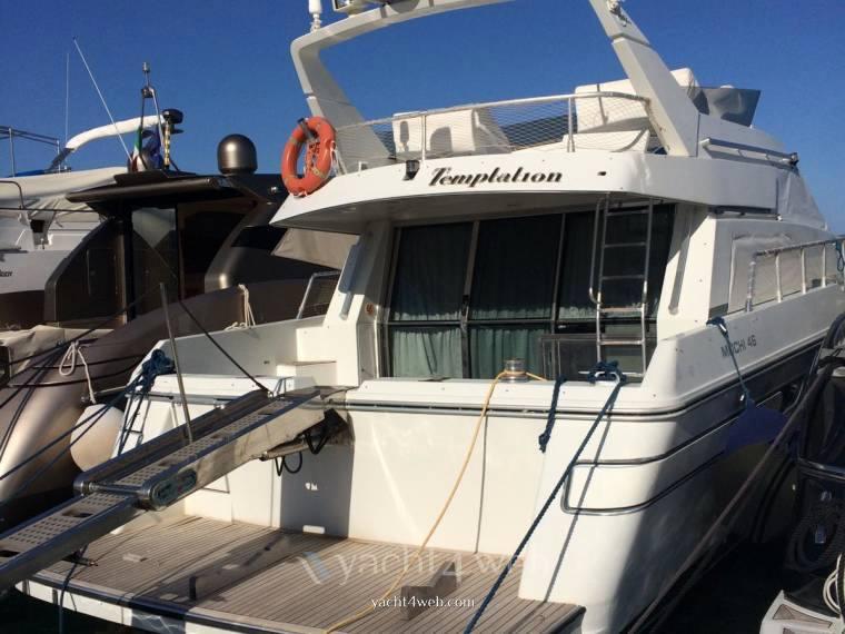 Mochi Craft 46 fly barca a motore