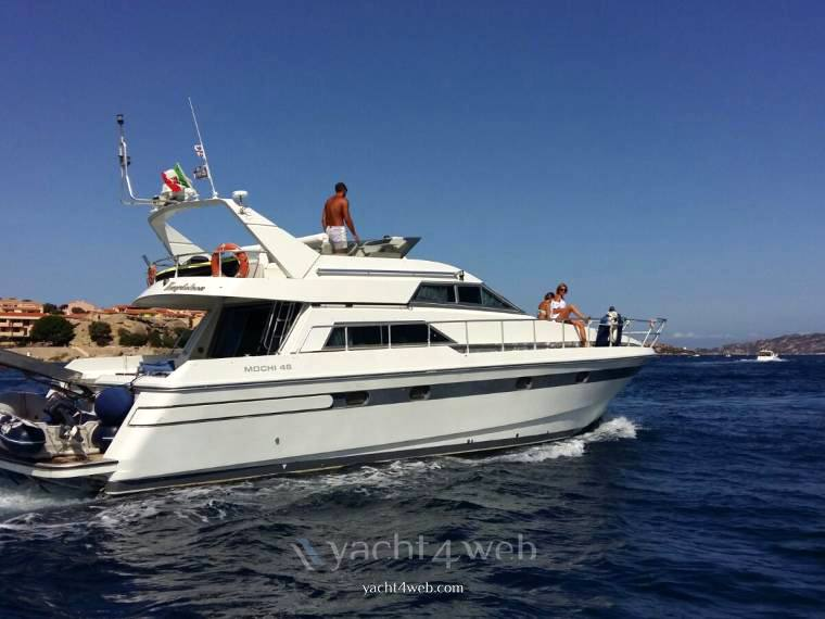 Mochi Craft 46 fly Barca a motore usata in vendita