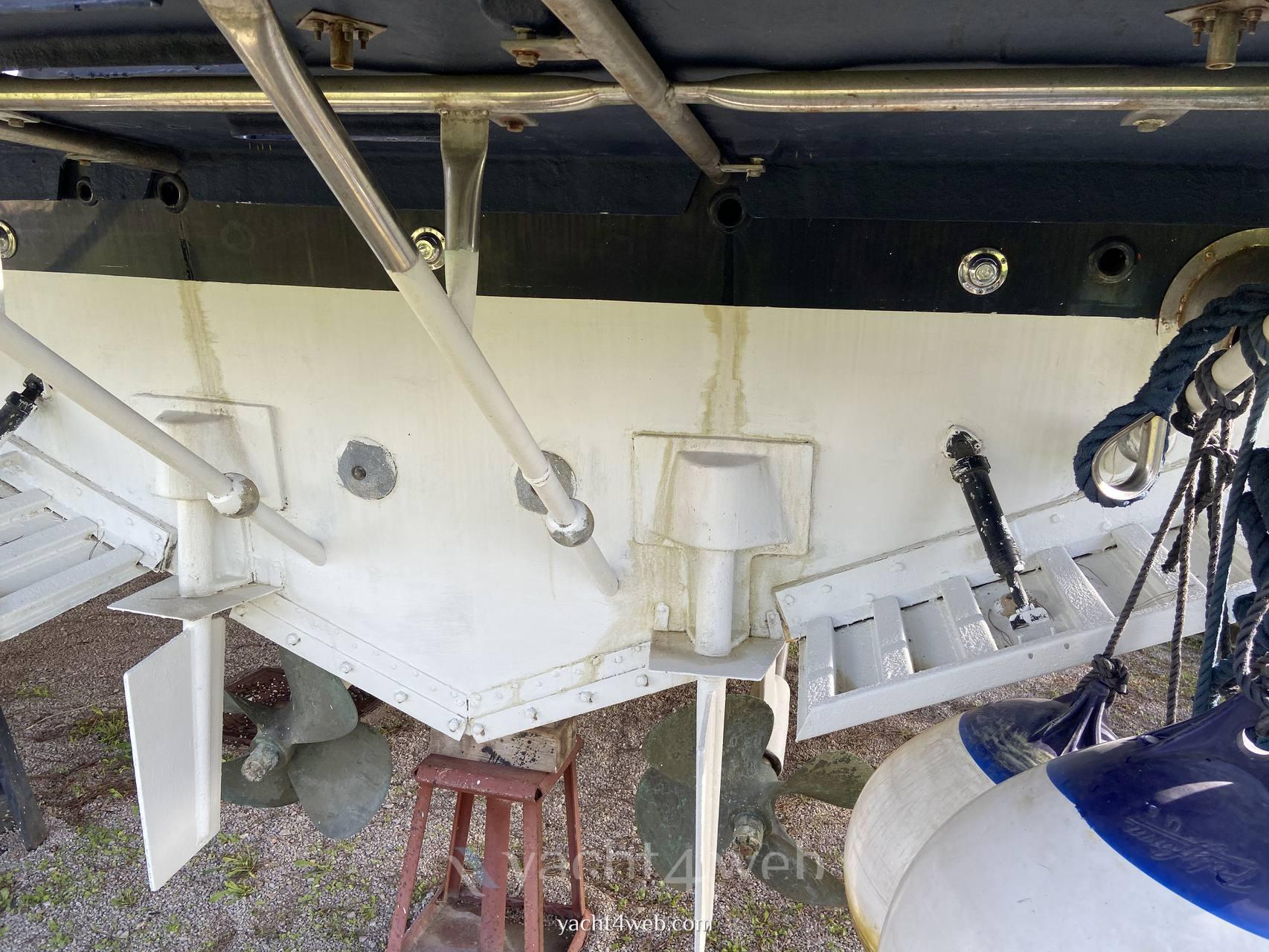 Cantieri di Baia Baia b50 motor boat