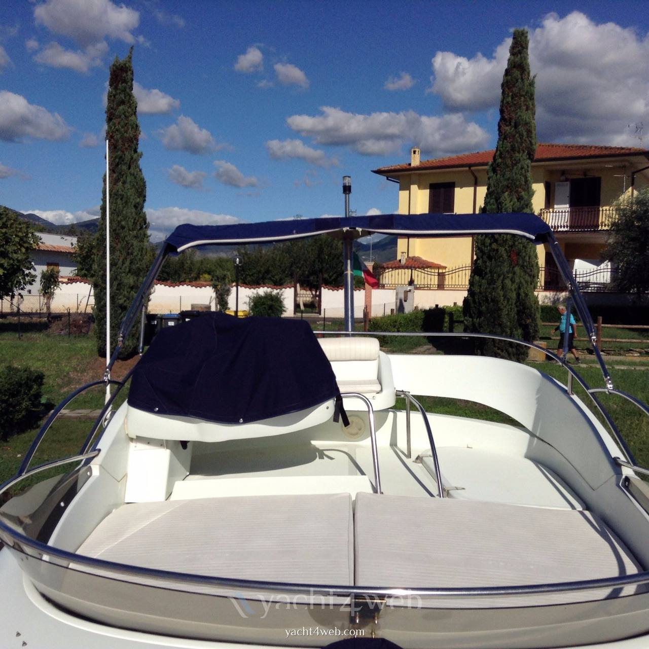 Starfisher 34 cruiser Motor boat used for sale