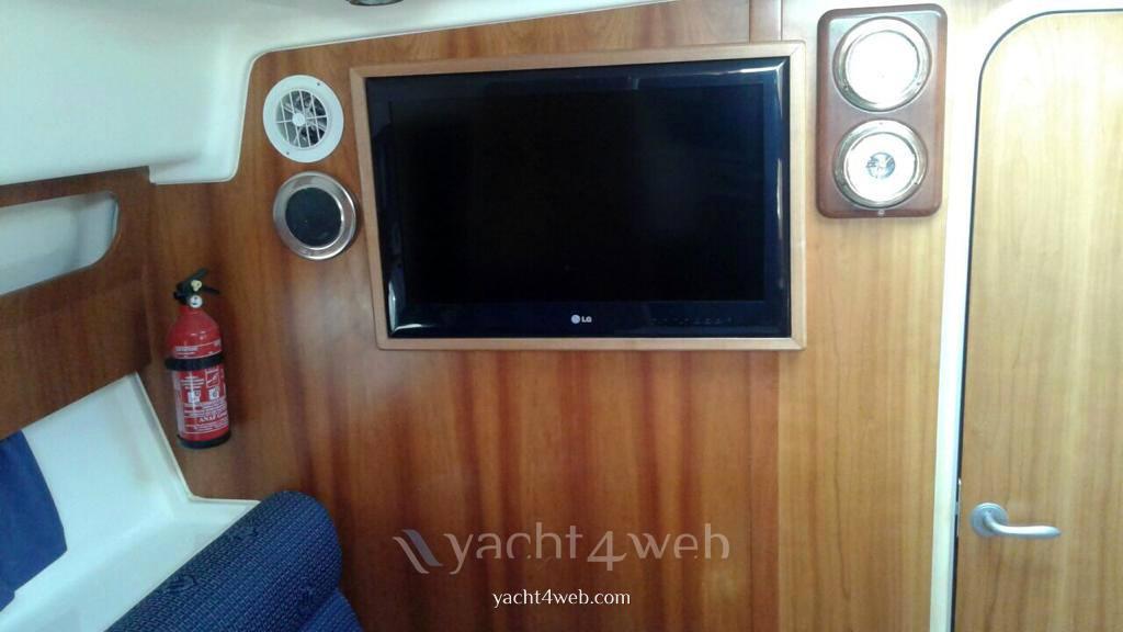 Mano 32,50 Barca a motore usata in vendita