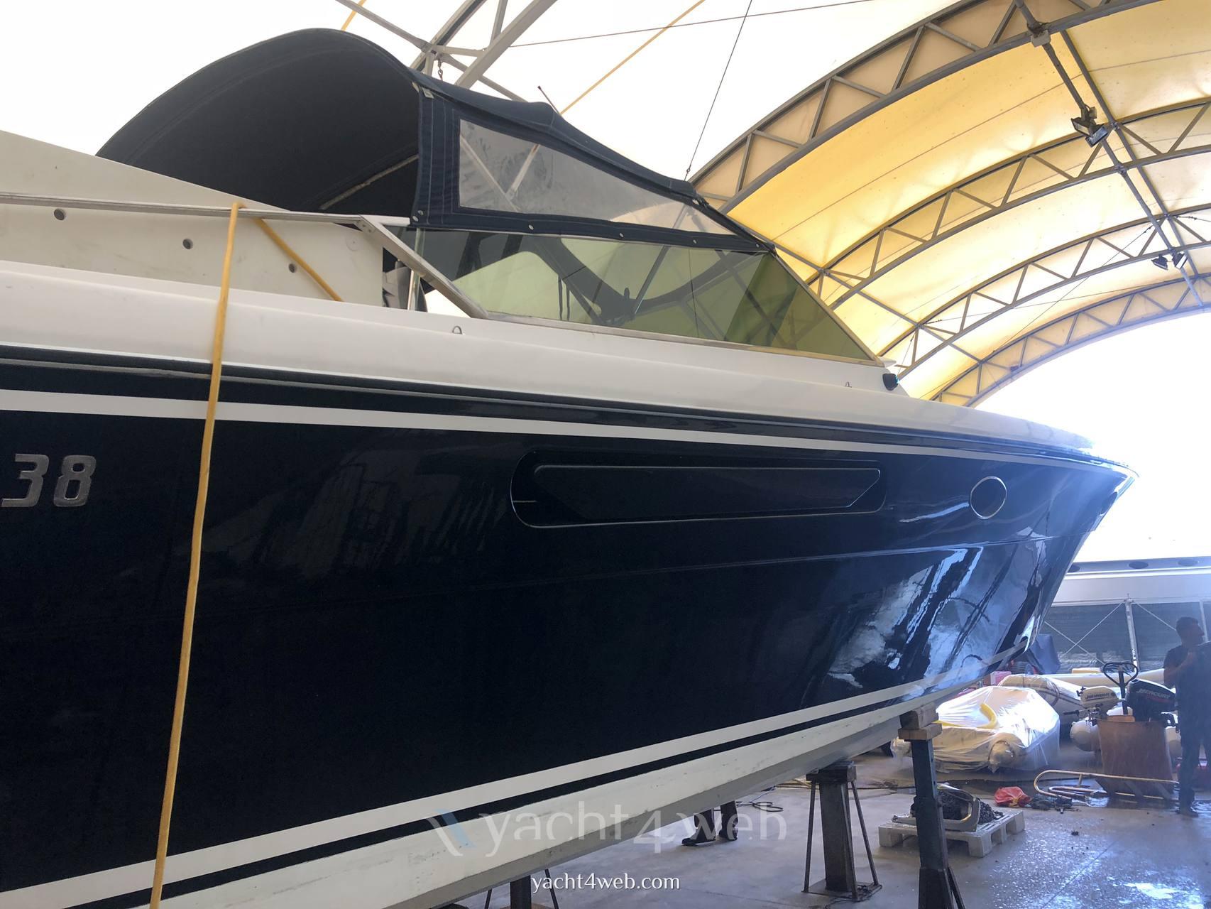 Itama 38 Barge