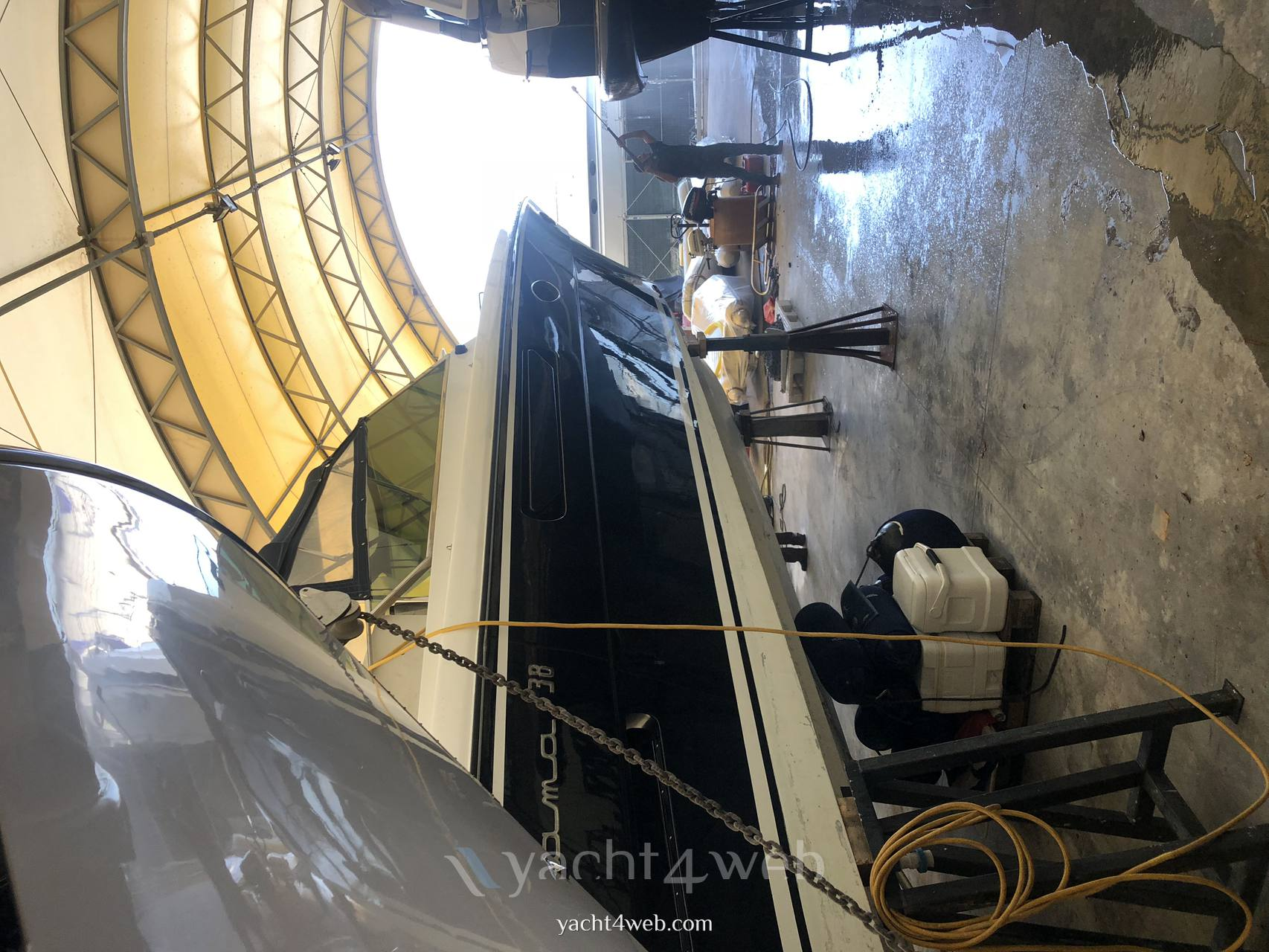 Itama 38 Motor boat used for sale