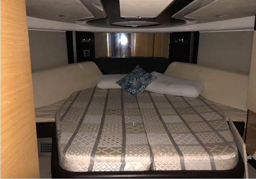 CRANCHI Atlantique 43 barca a motore
