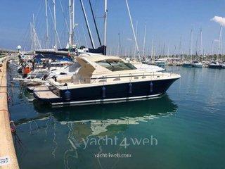 Cayman Yachts 40 wa