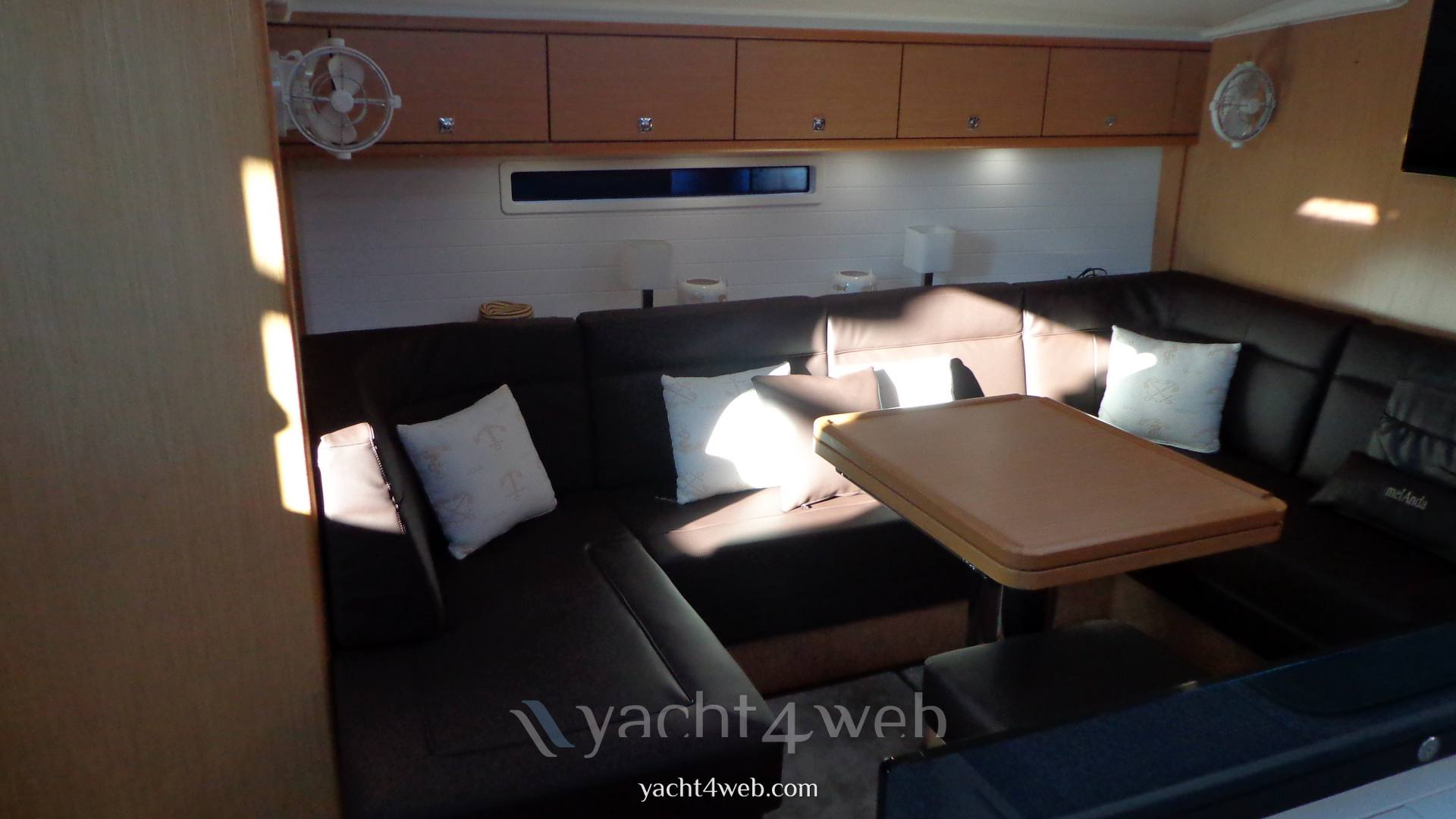 BAVARIA Cruiser 56 Inside