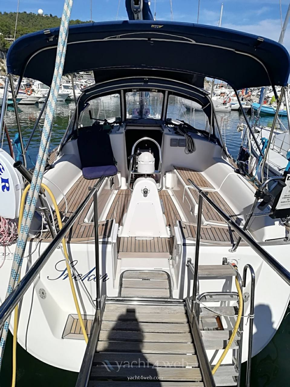 DUFOUR 325 gran large Sailing boat used for sale