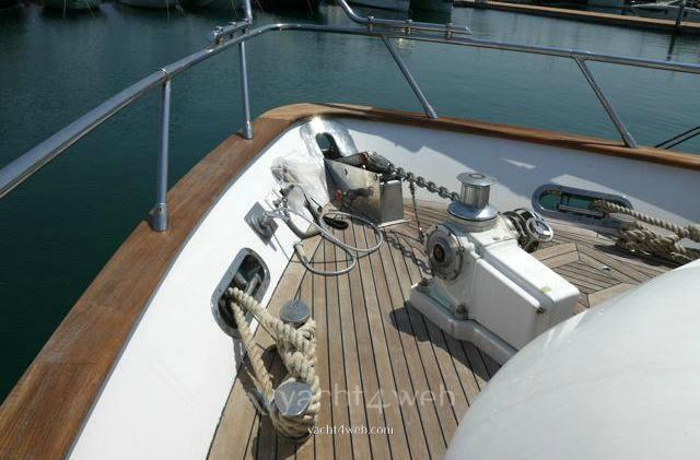 Maiora 20s barca a motore