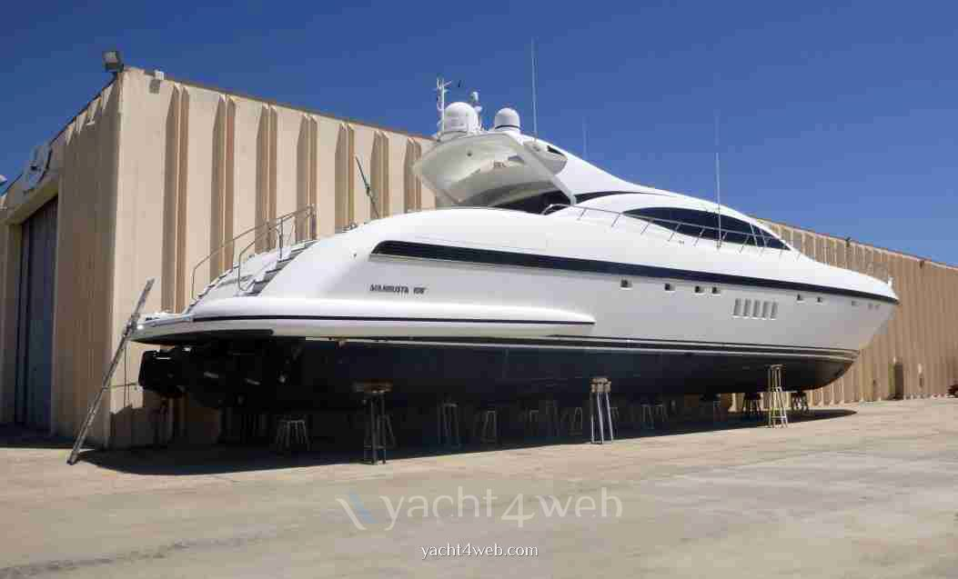 Mangusta 108 Motor boat used for sale