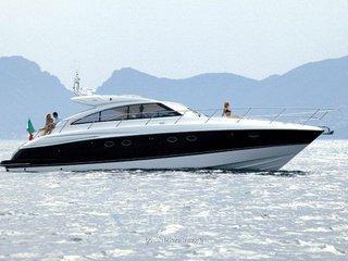 Princess V54 - barca in esclusiva