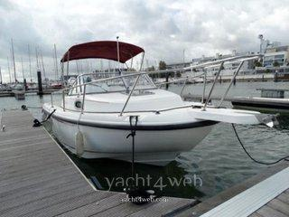 Boston whaler Boston 210 conquest