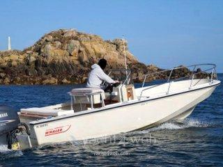 Boston whaler Boston 22 outrage