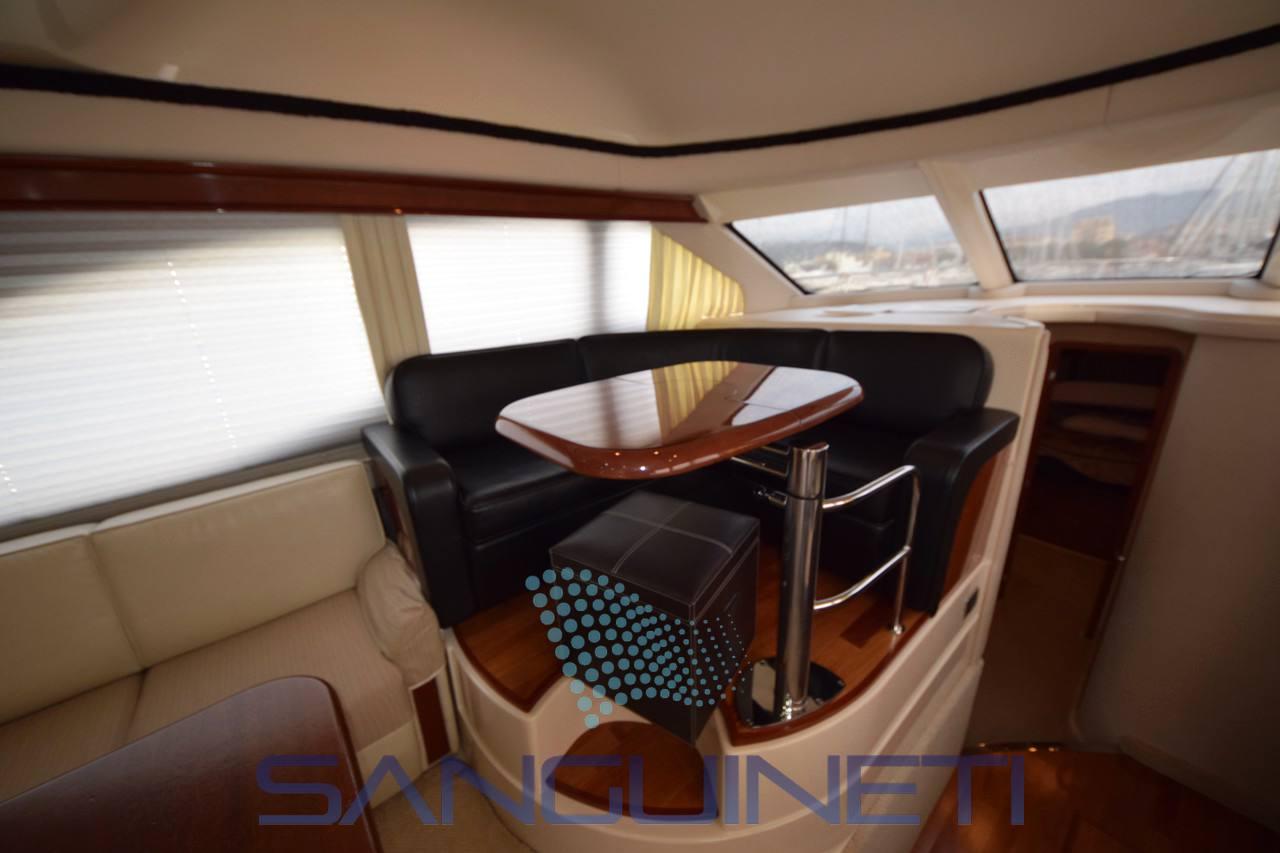 Sea ray 455 sedan bridge - Fotos Dentro de 5