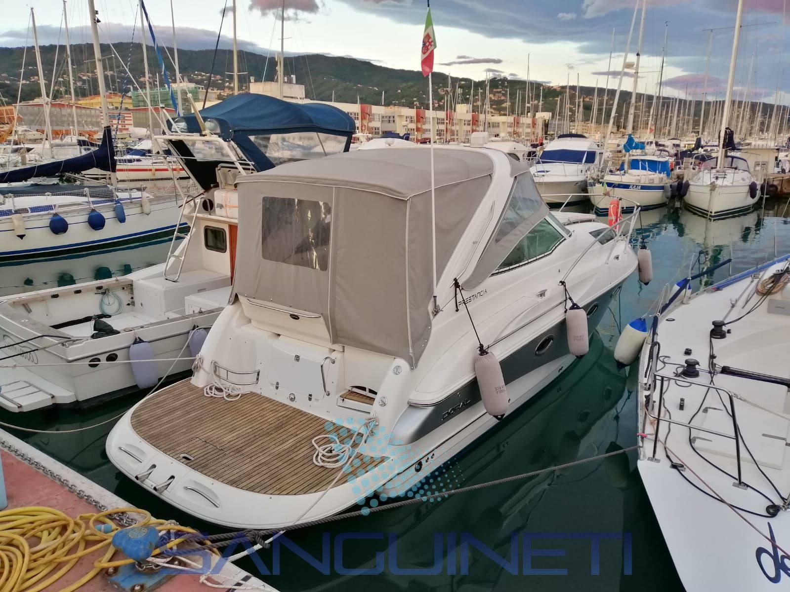 Doral Prestancia 28 Motor boat used for sale