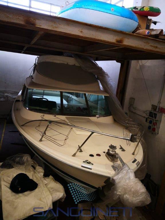 RIVA Bertram 25 bateau à moteur