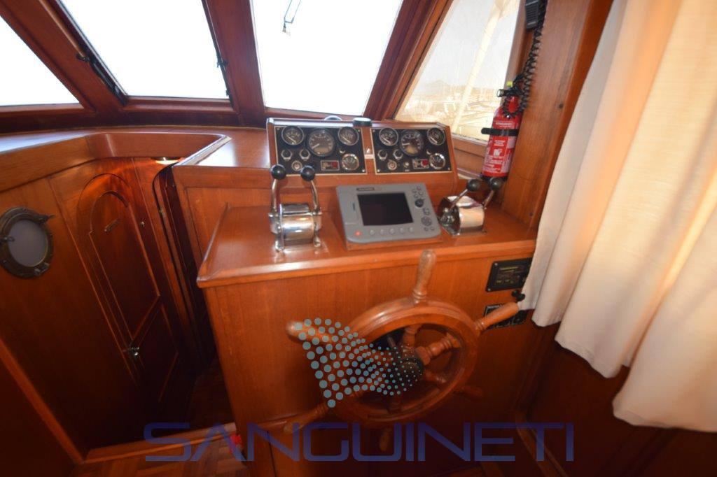 Hershine 37 bateau à moteur