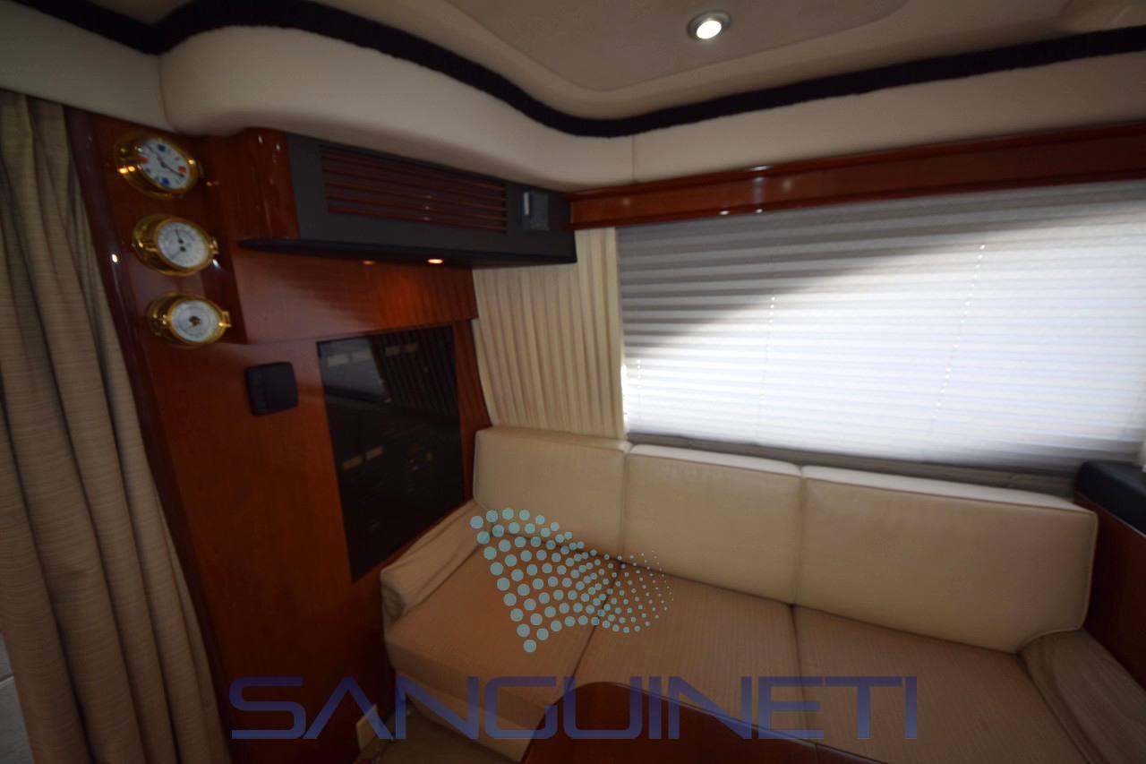 Sea Ray 455 sedan bridge Photo