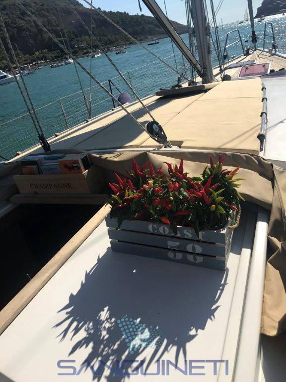 Hanse 470.e sailing boat